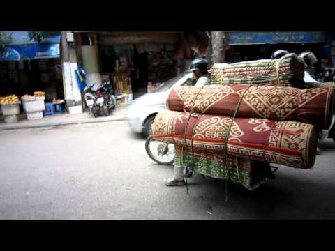 Brommers in Hanoi