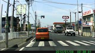 【ドラレコ】面白い運転手見つけた(`・ω・´) thumbnail
