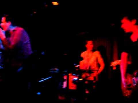 Art Brut - Direct Hit @ Levée Club, Berlin (26th May 2011)
