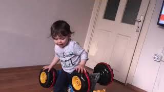 Gambar cover Yusuf Talha bisikletiyle keyif yapıyor