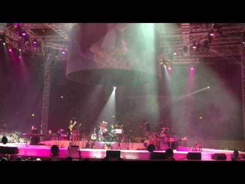 Glenn Fredly's concert (Terpesona) - Inang Noorsaid on drums