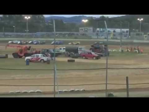 super sedans heat 1 Latrobe speedway Tasmania 2016