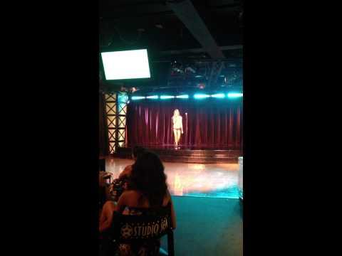 Julia Budd - Part of Your World Karaoke Disney Magic 2012