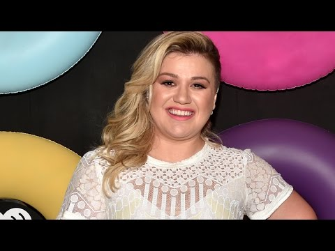 Kelly Clarkson Takes Hold of Her Career With New Announcement