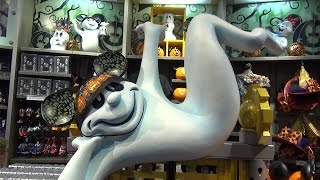 Mousesteps Weekly #112 Disney Polynesian W/ Captain Cook's; Robin Williams, Halloween Merch; Elvira