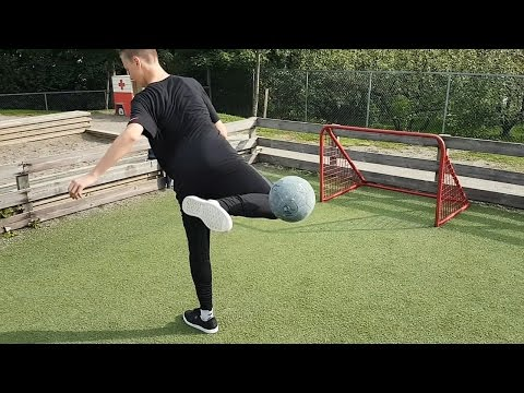 Learn The Ultimate Football Street Skill - Izzy Akka 3000