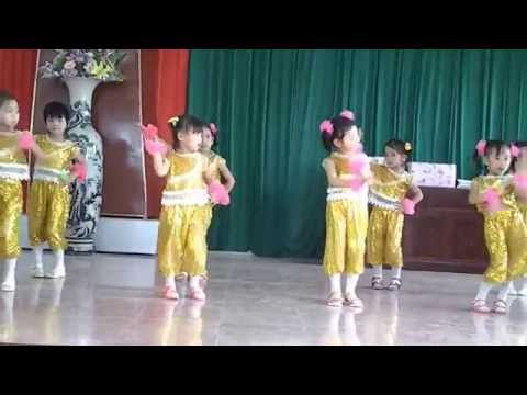 các bé 4 tuổi múa lễ tổng kết trường mầm non trực khang- trực ninh-nam định