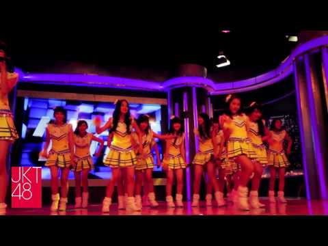 JKT48 Team KIII - 1! 2! 3! 4! Yoroshiku! debut at Hitam Putih (27-06-2013)