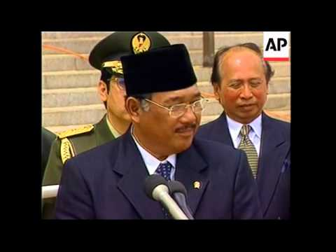 Rumsfeld meets Indonesian Defence Minister