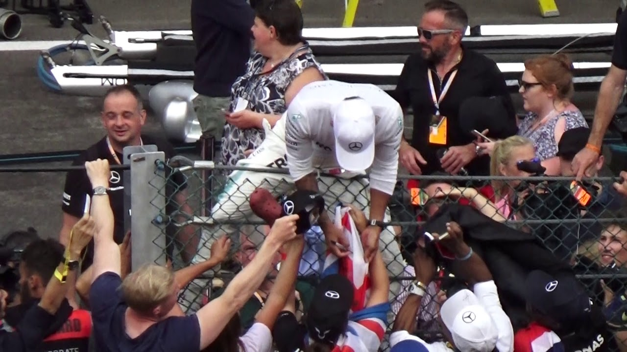 Aug 27 2017 Lewis Hamilton Post Race Team Photo And Signing For