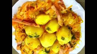 Приготовьте побольше уверена попросят добавки Капуста картошка сосиски а в одной сковороде