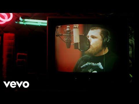 Смотреть клип Luke Combs - Cold As You