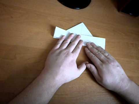 Вопрос: Как сделать бумажный кораблик?