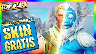 NOOBS Get NEW SKINs *FREE* Fortnite Movie in Spanish (History)