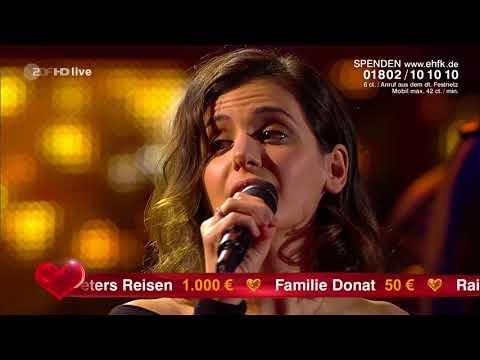 Peter Maffay & Katie Melua - 'Ich Wollte Nie Erwachsen Sein (Nessaja)' at ' Ein Herz für Kinder'