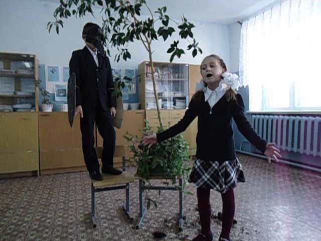 Изображение предпросмотра прочтения – ВасилисаКраснова читает произведение «Ворона и Лисица» И.А.Крылова