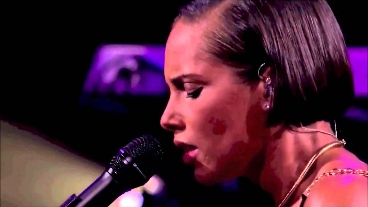 Download Alicia Keys - A Woman's Worth - Live in London 2012