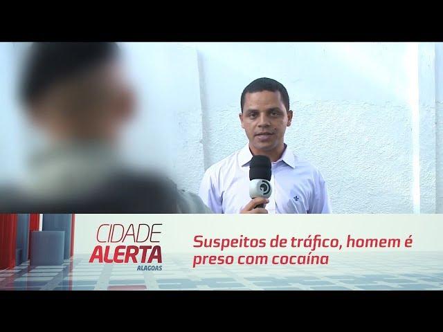 Suspeitos de tráfico, homem é preso com cocaína no Benedito Bentes