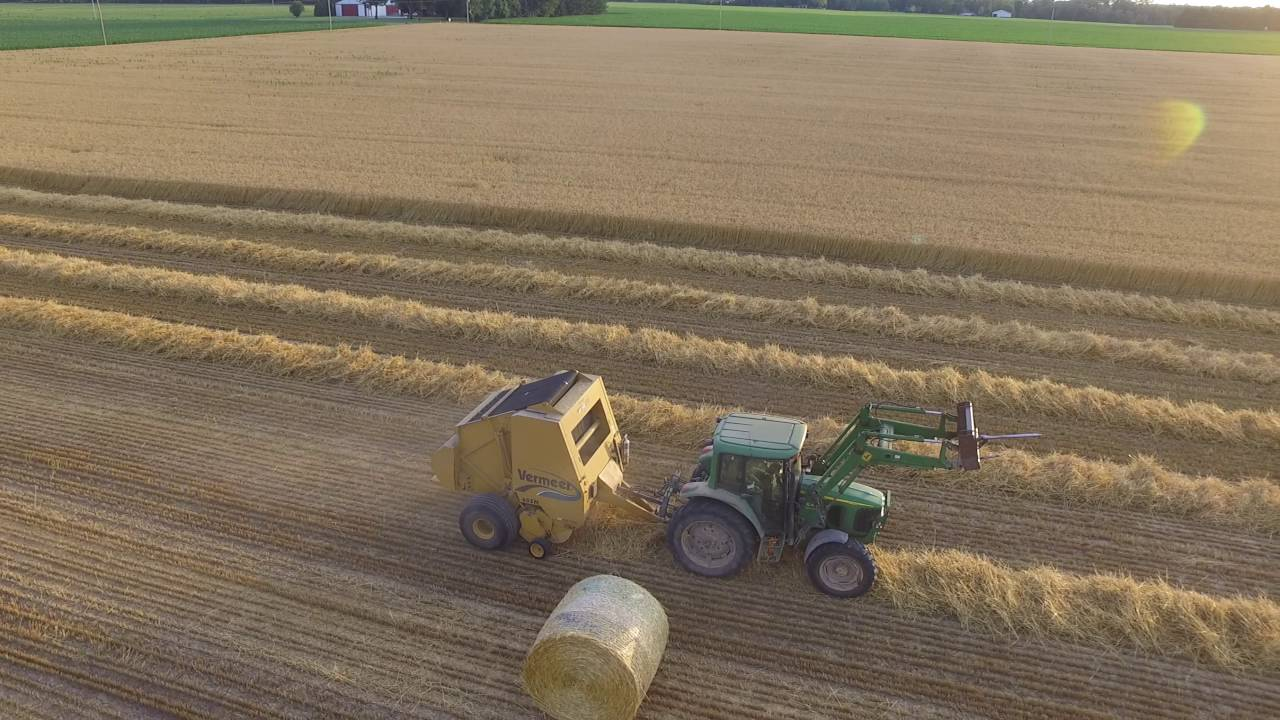 vermeer 605m baling wheat straw june 30 2016