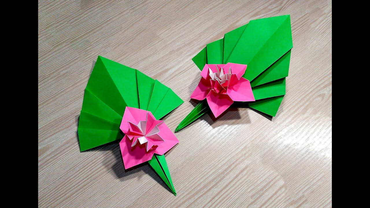 easy paper flower ideas for christmas decor origami m doovi. Black Bedroom Furniture Sets. Home Design Ideas