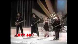 'Angello'. Toti Willy & the Microchips™ (disco 'Niños Eléctricos'). musica ninos. Latino Pop