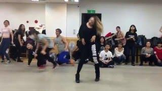 Elena Ninja-Bonchinche' (Fraules) vogue solo during classes in Taiwan