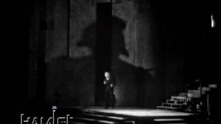 Hamlet and The Ghost - Richard Burton, John Gielgud (1964)