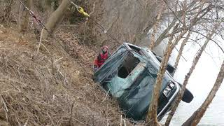 Pickup truck pulled from Delaware River