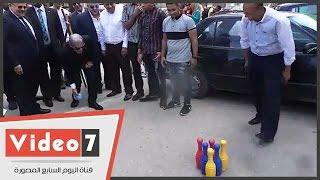 بالفيديو.. رئيس جامعة القاهرة يلعب