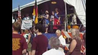 German - American Festival - Все поют гимны США и Германии