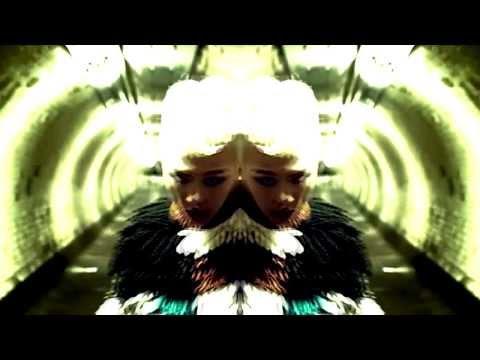 G-DRAGON (지 드래곤) (빅뱅) SHAKE THE WORLD M/V