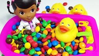 Играем с куклой доктор плюшева Видео для детей