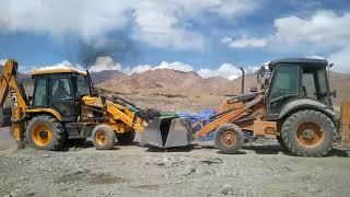 Case vs JCB ( case best JCB suring transmission torque)