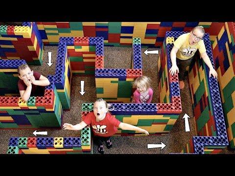 ESCAPE the Giant LEGO MAZE!