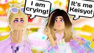 I SURPRISED A FAN IN GAME AND IT WAS SO EMOTIONAL ♥️ // Roblox Royale High School