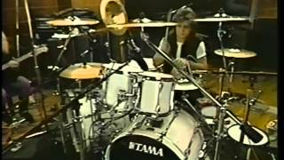 Performance do baixista (Billy Sheehan) e do baterista (Pat Torpey)...