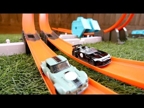 Hot Wheels Track Builder Power Booster Kit Review And Play!