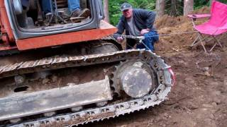 EX120 Excavator Has Thrown A Track