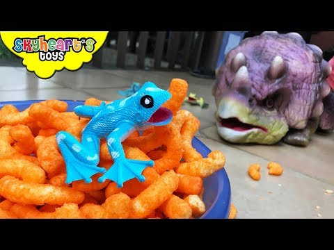 FROG INVASION on our house | Skyheart vs frogs and animals reptiles toys action for kids