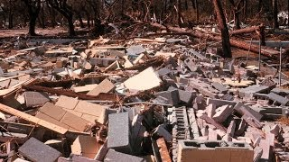 Вывоз строительного мусора самосвалами.(Погрузка строительного мусора фронтальным погрузчиком с вывозом самосвалами на полигон ТБО.http://www.avtolegion52rus..., 2014-07-07T12:53:06.000Z)