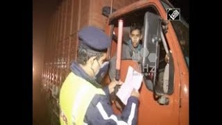India News - Indian capital New Delhi imposes three day ban on entry of trucks as pollution soars