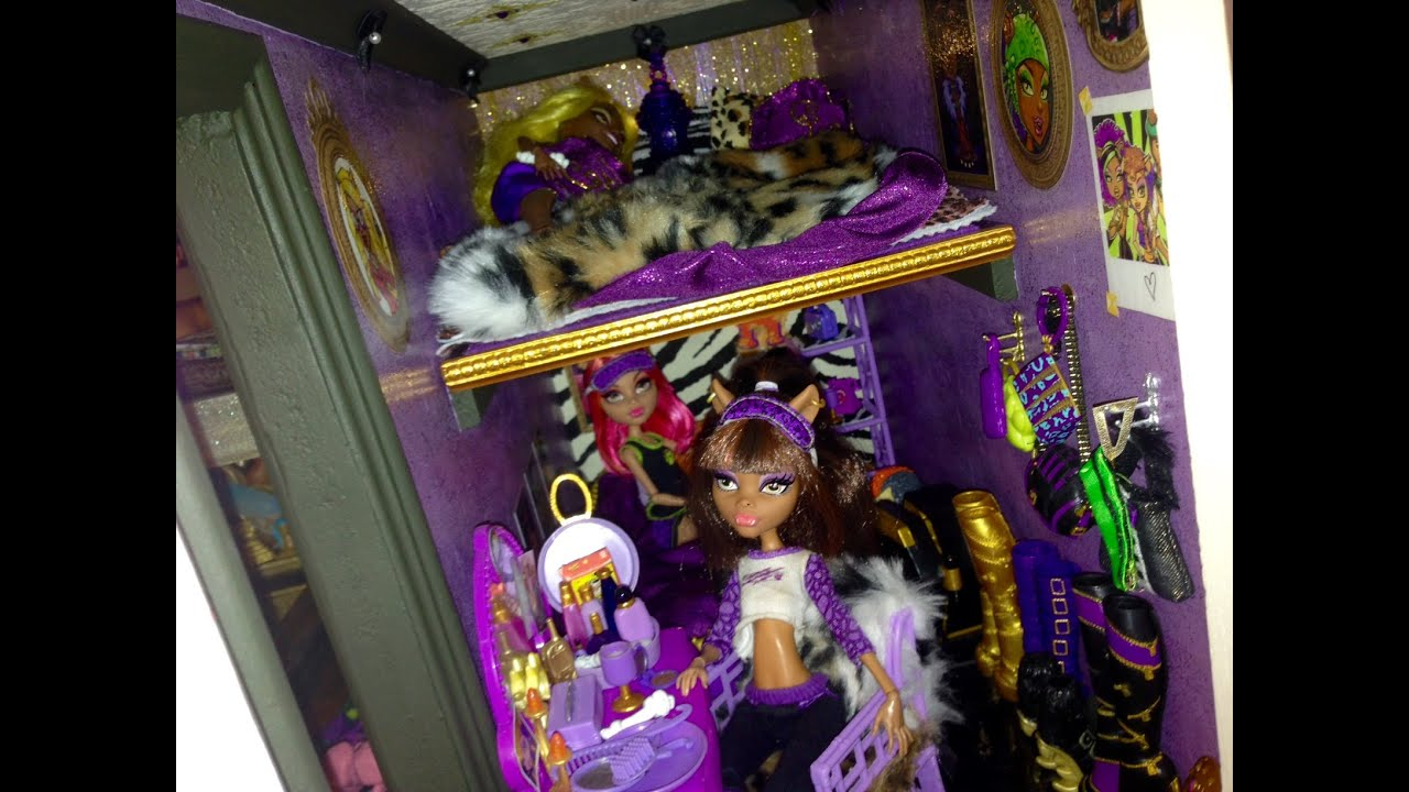 WOLF DEN Monster High Doll House Tour Room 4 Of 40 Bed Of