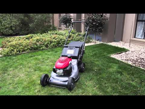 Honda HRC216PDU Commercial Lawnmower Product Demonstration