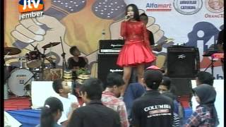 Video Vita Alvia - Ojo Nguber Welase by Izul Music LIVE at JTV Jember download MP3, 3GP, MP4, WEBM, AVI, FLV Agustus 2017