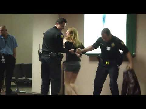 drunk-hot-white-girl-arrested-at-az-airport