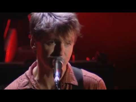 Neil Finn & Friends - There is a Light That Never Goes Out (Live from 7 Worlds Collide)