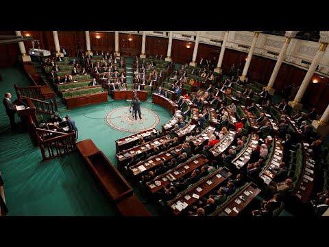تونس: احتقان المشهد السياسي في البلاد ودعوات لسحب الثقة من رئيس البرلمان راشد الغنوشي  - نشر قبل 30 دقيقة