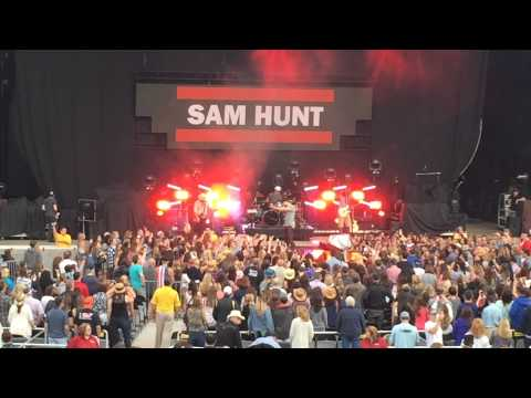 Sam Hunt - Break Up in a Small Town (Live) - Jones Beach, NY - May 29, 2015