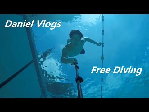 Free diving at Chin Woo Stadium deepest Swimming Pool😁