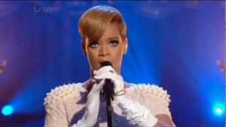 Rihanna - Russian Roulette (LIVE ON ITV